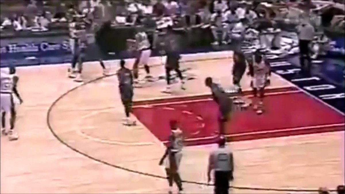 Every time I see this Oakley-Barkley fight I can't believe it was just preseason