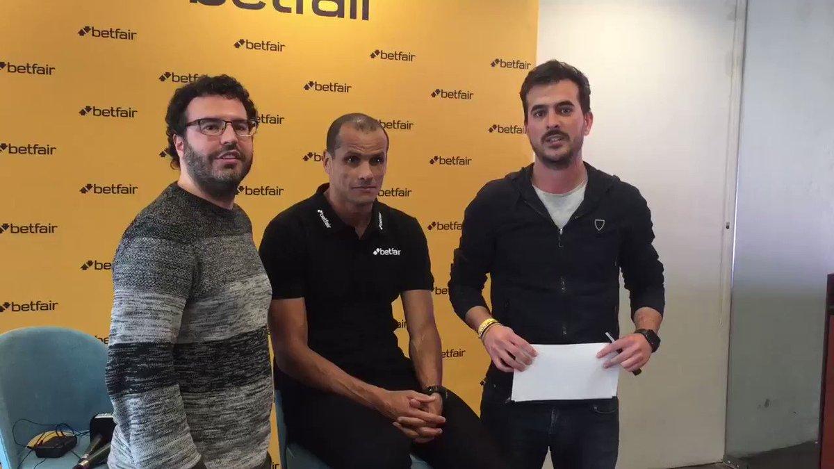💥Avui Rivaldo al 'Què t'hi jugues!'   ⚽️ Voleu guanyar aquesta foto de la seva xilena firmada per ell?  ⏰ A les 20h us expliquem com aconseguir-la!  📷 Jordi Cotrina