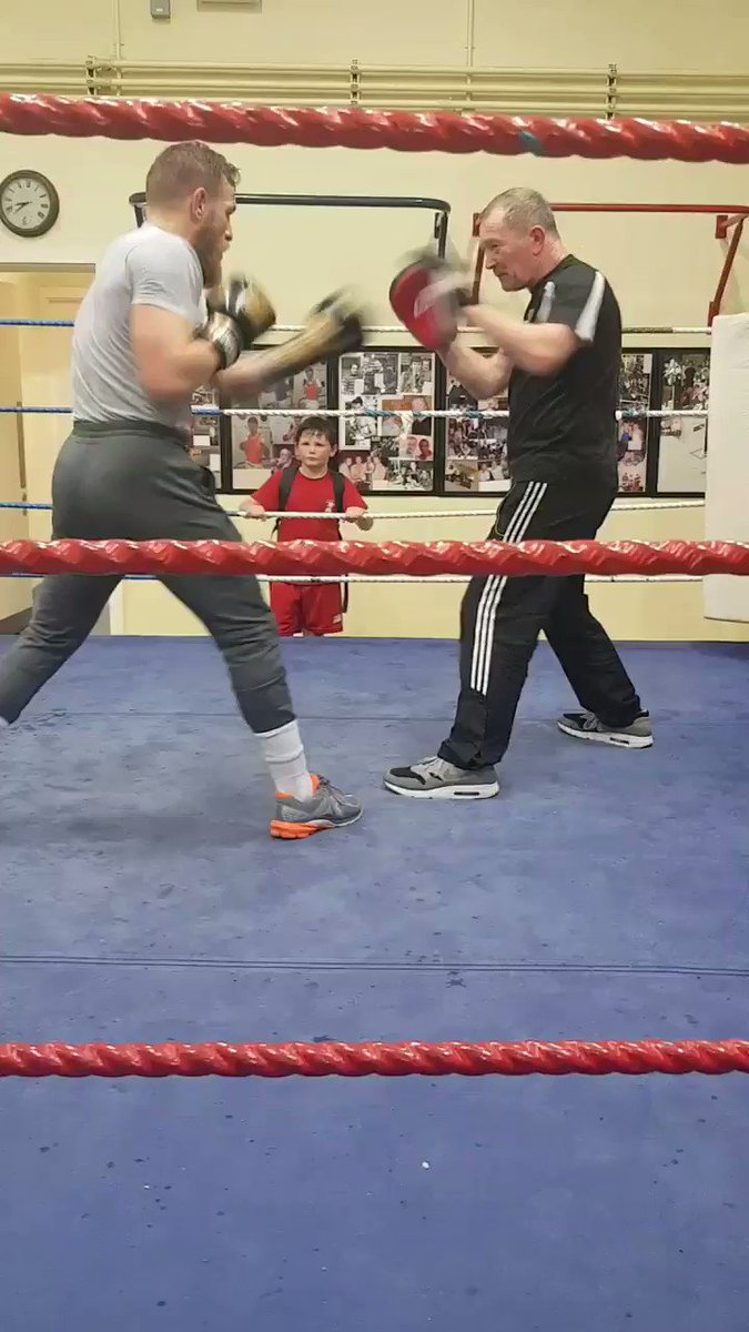 RT @J0E_90: BACK HOME  Conor McGregor on the pads with Bra Brady last night at Crumlin BC  Video: Aaron Dempsey https://t.co/EajjmdeXgL