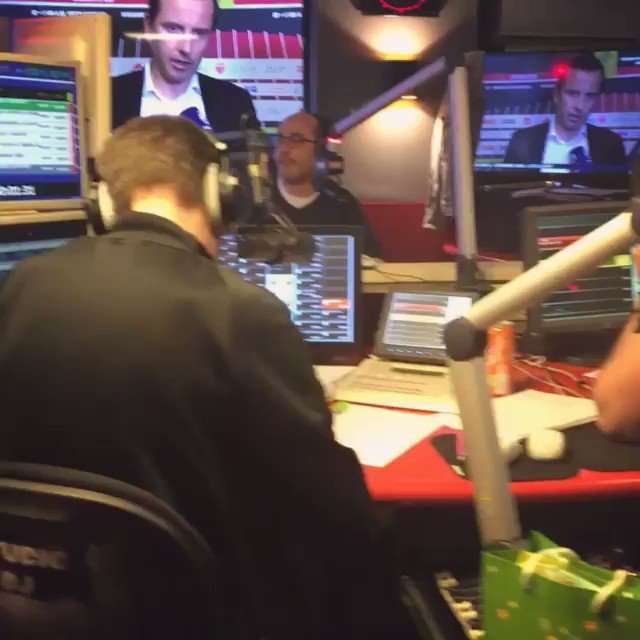Skyrock FM's photo on #radiolibrededifool