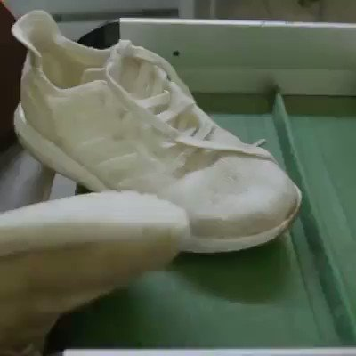 Adidas' new sneaker is fully #recyclable and made of ocean #plastic  #circulareconomy #SDGs   @TopCyberNews @seth_leitman @arikring @HansLak @AdamRogers2030 @Adamsfrt11 @autrement_votre @JolaBurnett @helene_wpli @RobertoValentUN @SDG2030 @MikeHudema @gvalan @realColinMac