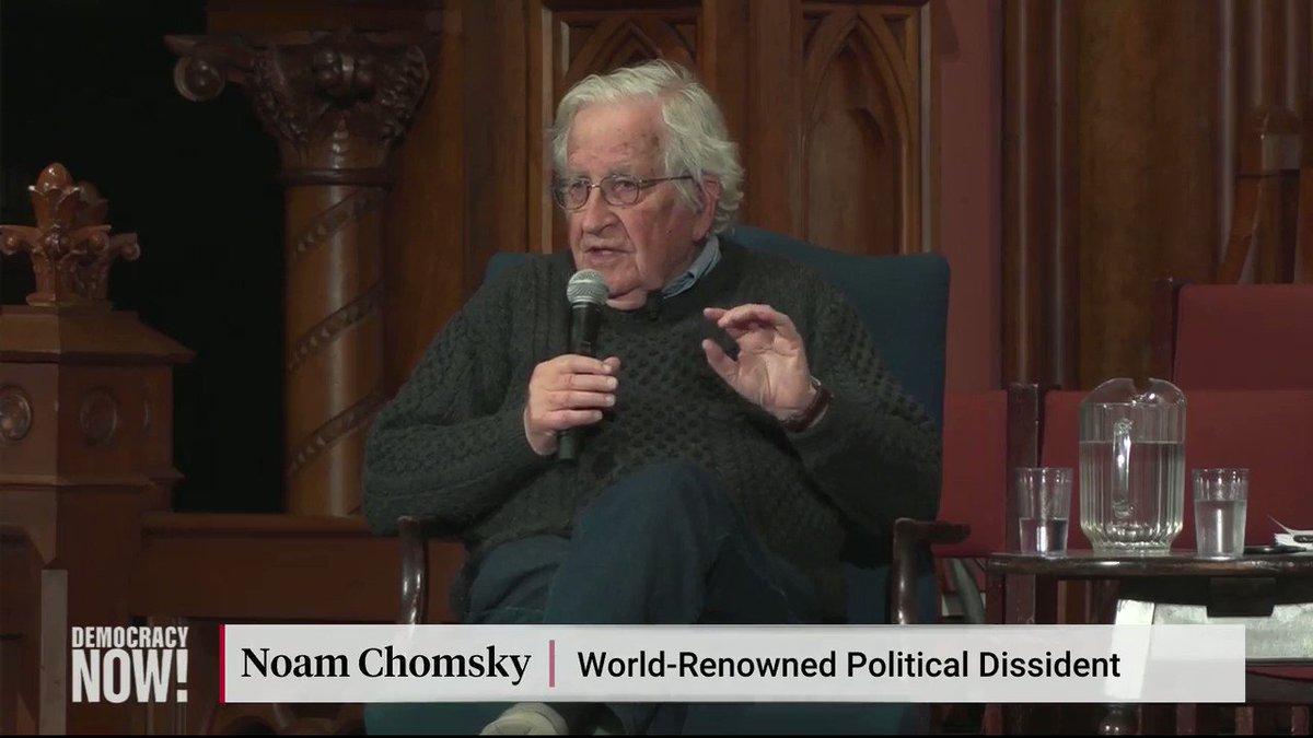 """📽⚠️#FreeAssange """"Recordarán cuando el gobierno fascista de Mussolini encarceló a Antonio Gramsci. El fiscal dijo: 'Tenemos que silenciar esta voz durante 20 años'. Bueno, eso mismo está ocurriendo con #Assange y con #Lula"""" - #Chomsky, 11 de abril 2019"""