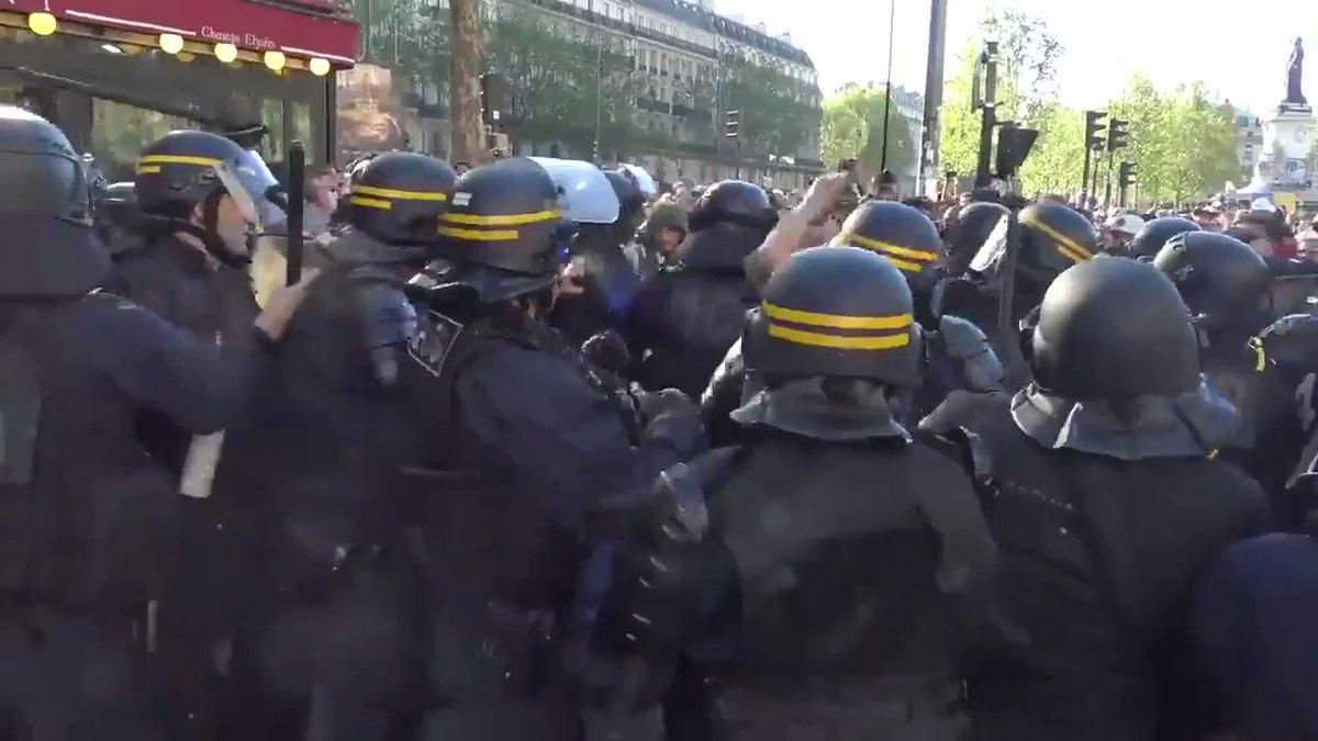 Sono immagini forti,ma bisogna condividerle per rendersi conto di quello che sta succedendo in Francia da 5 mesi. #GiletsJaunes  #ActesXXIII  #Parigi