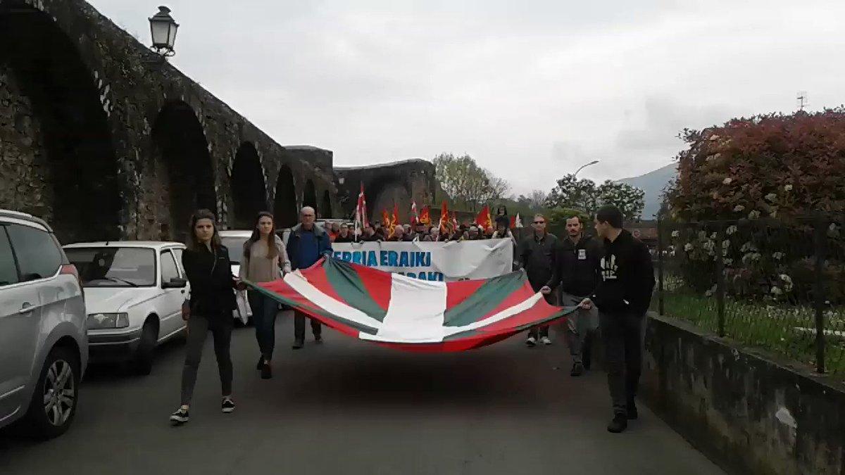 Abian da manifestazioa Donibane Garazin. #AberriEguna2019