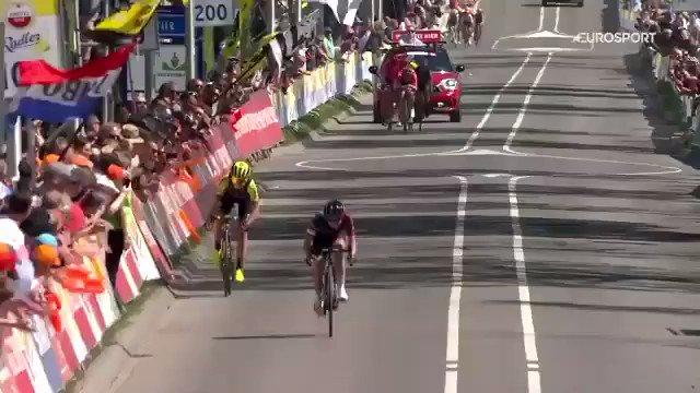 Niewiadoma wint Amstel Gold Race vrouwen, Van Vleuten tweede