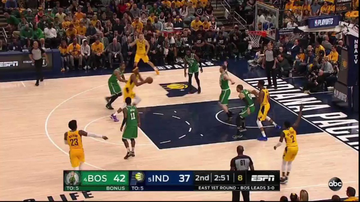 HOLY MYLES TURNER DUNK OF THE YEAR 😳☠️
