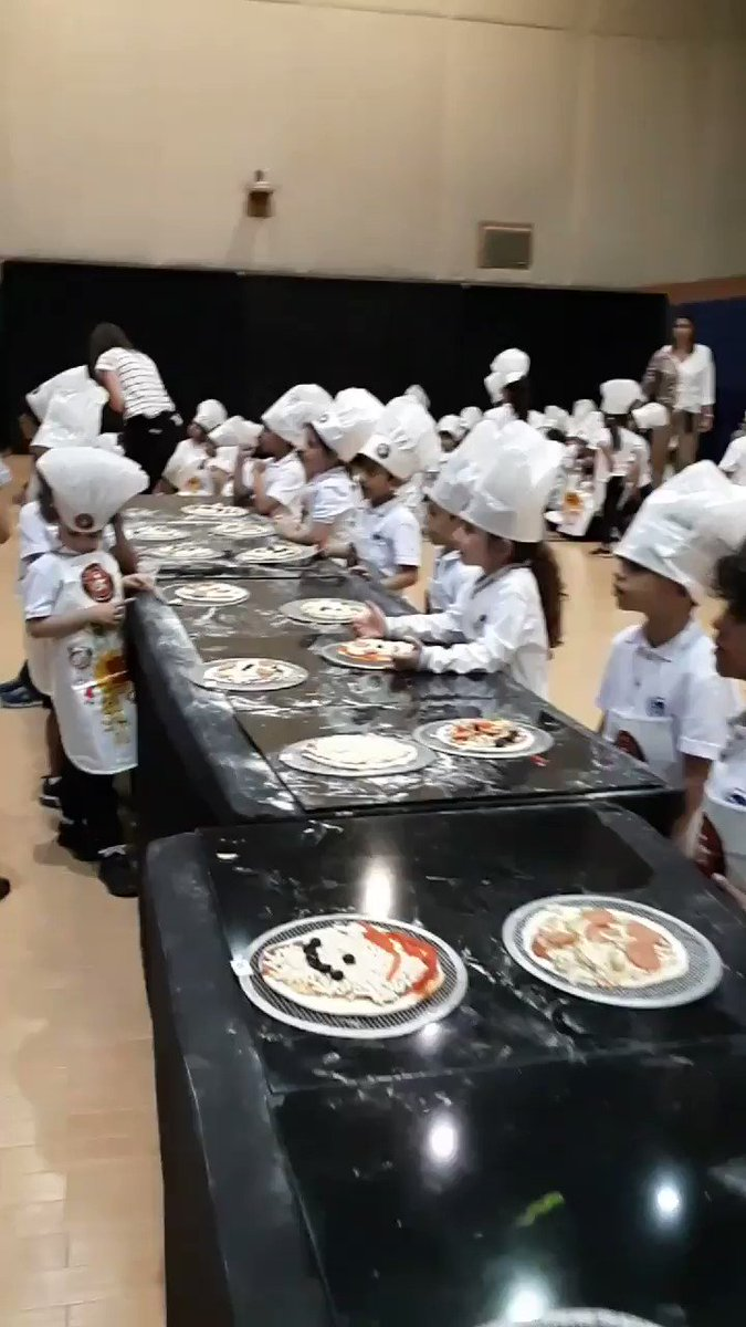 #aisq8 #kg2 making yummy pizza 🍕with Pasta Mania in the Dr. Kamil AlRayes Theater. Enjoy the food 😊