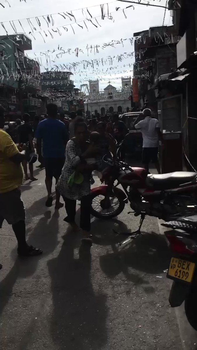 Explosion goes off as Sri Lankan police try to defuse bomb near Colombo church
