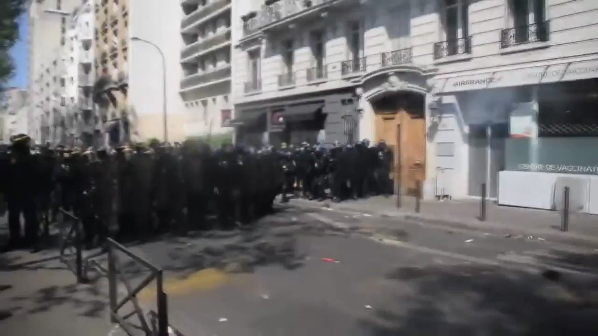 RIOT POLICE Charge into Yellow Jackets & beat 1 badly  France belongs to NWO after Centuries of their Control.  Don't let your Country be France  Pray 🙏 French Win  FREEDOM