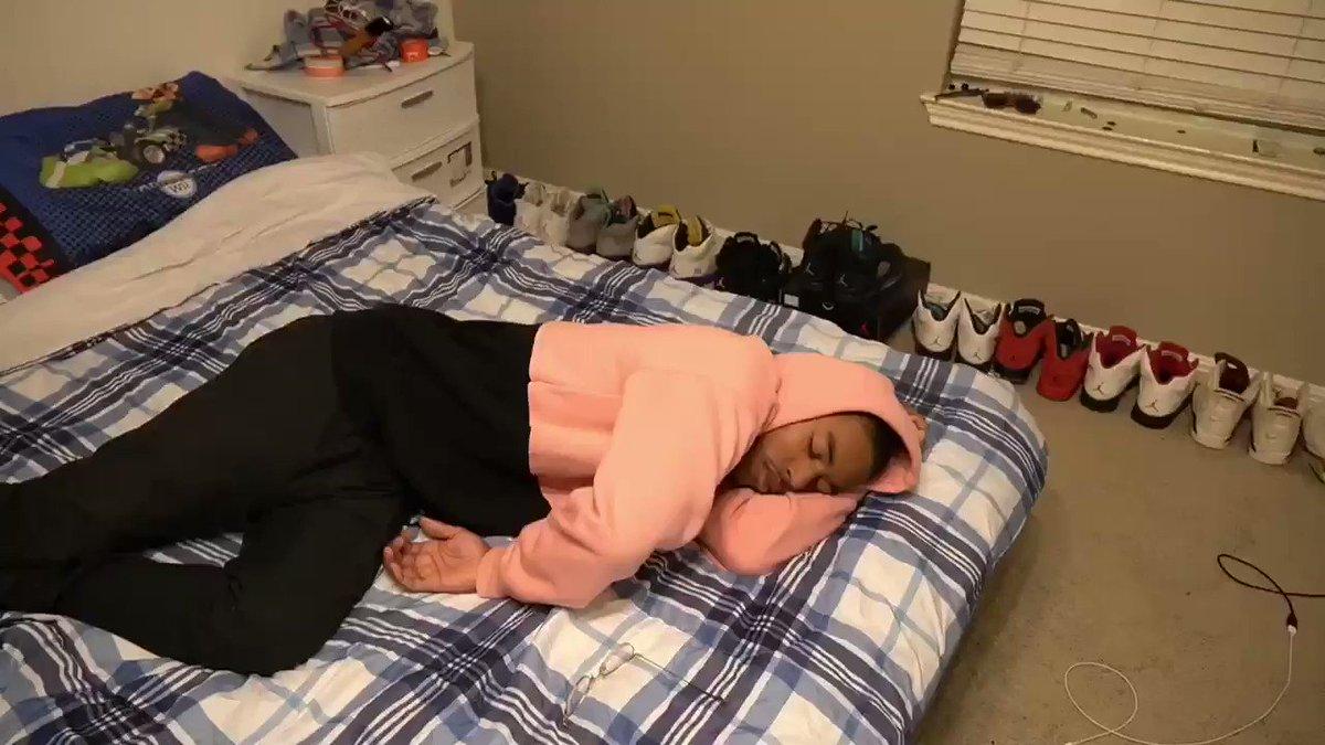 I hate sleep paralysis. @RDCworld1 @SupremeDreams_1
