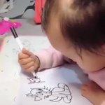 世界一、絵の上手な赤ちゃん??年齢からは考えられない衝撃のペンさばきをご覧あれ!