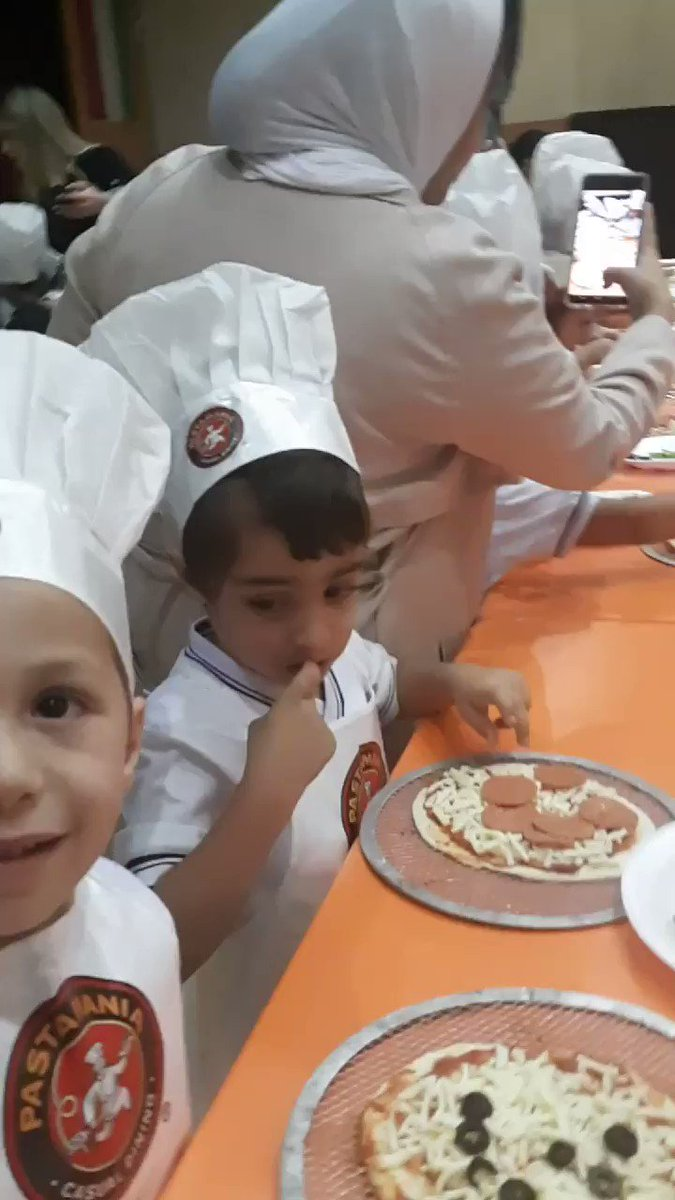 Who wants Pizza? 🍕😃  #aisq8 #kg1 students ready to deliver pizza to all areas in Kuwait 😉