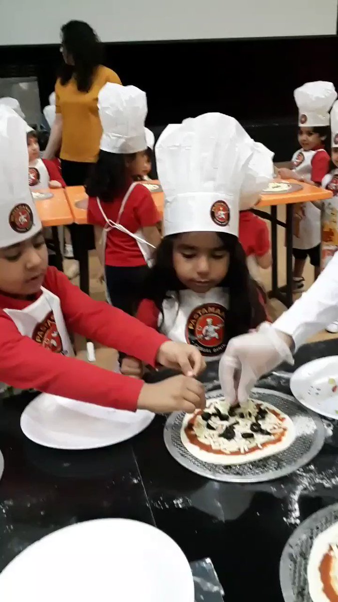 It's PreK students' turn today. The #aisq8 Pizza chefs 🍕🍕 strike again 😃 and again 😉