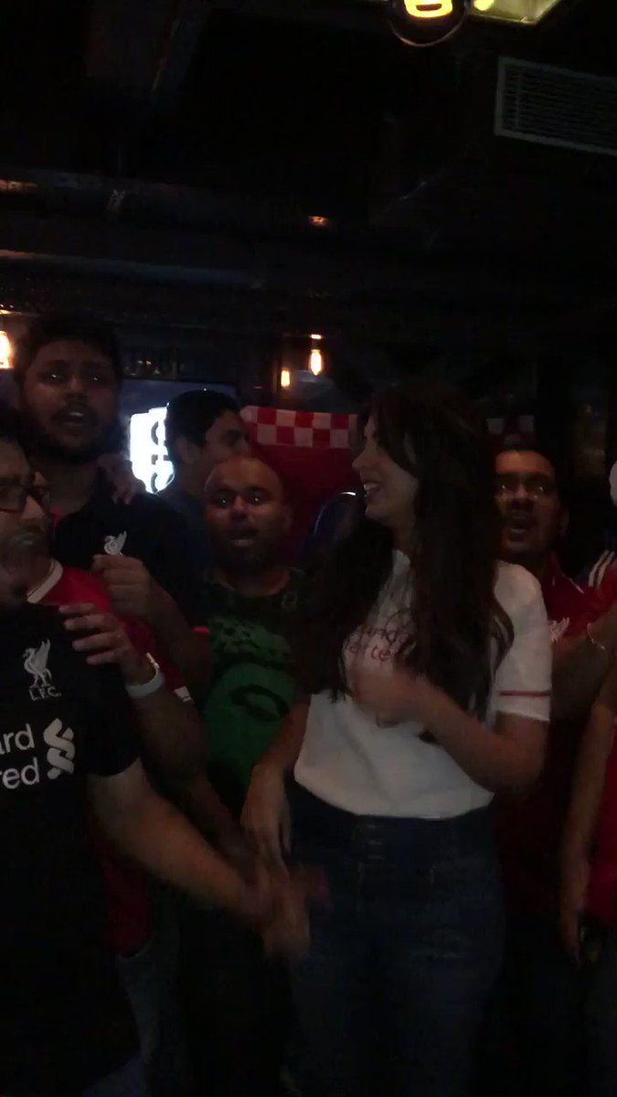 Exclusive treat for all you reds! Ever heard #LFC Bollywood chants before? Well you have now! These guys are brilliant 😀@LFCMumbai Special Desi @lfc songs for @JHenderson @JamesMilner @trentaa98 #sadiomane @GWijnaldum ❤️ #ynwa