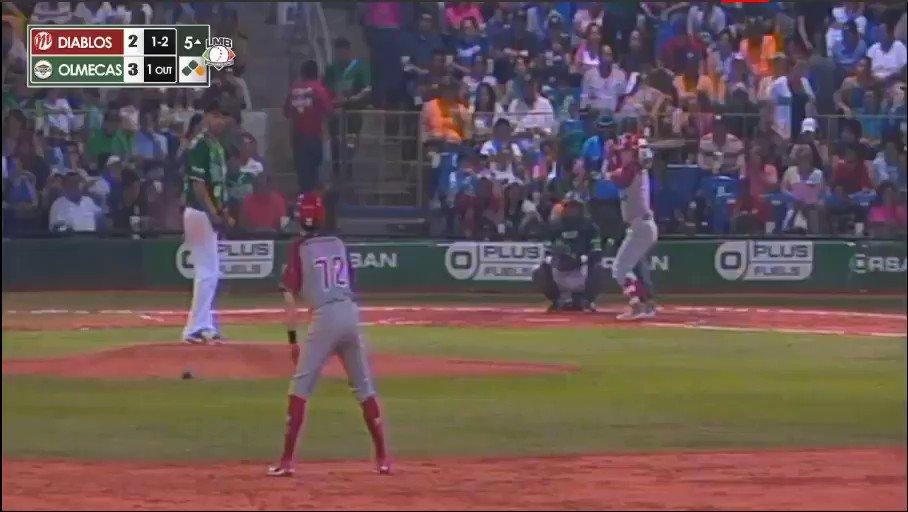 👏⚾️¡Sí señor! @chuyitofabela 💀 empata a tres vs @OlmecasTabasco con sencillo remolcador en la quinta.