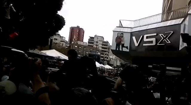 En la concentración de @jguaido en plaza Brion caracas se evidenciaron 2 cosas : la falta de gente y la AGRESIÓN FÍSICA Y VERBAL A LOS MEDIOS DE COMUNICACIÓN tanto públicos como privados fueron golpeados por los equipos de seguridad de @jguaido El equipo d @tvspueblo fue agredido