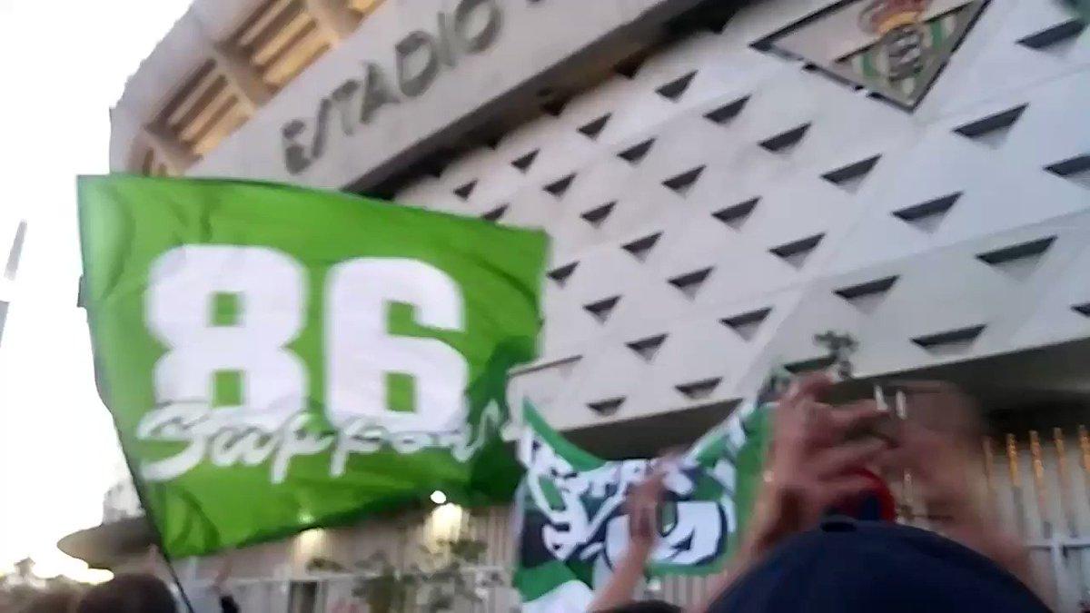 ¿Quien decía que te abándonabamos Real Betis?  Nunca te fallamos