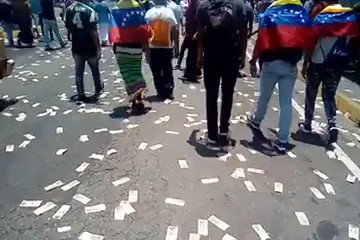 Image for the Tweet beginning: Today the streets of Venezuela