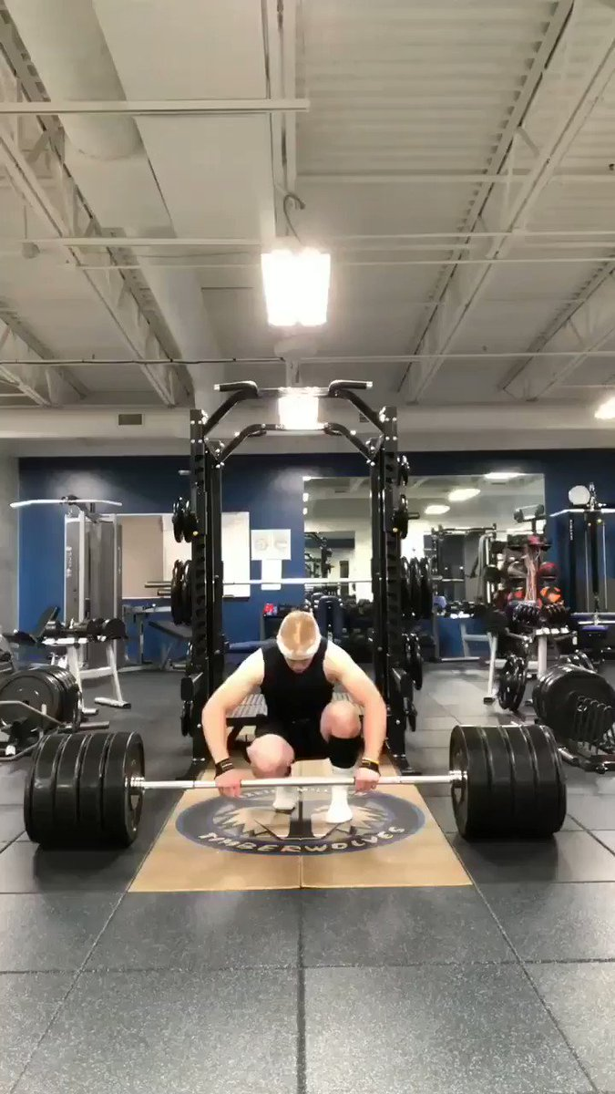 """My """"little"""" brother had a goal to deadlift 400 pounds before graduation. This morning he deadlifted 425 pounds. He's 18 and graduates next Saturday. #proudbigsister #beast #gymrat"""