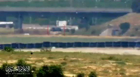 فيديو يظهر استهداف المقاومة لمركبة عسكرية للاحتلال شرق غزة اليوم.