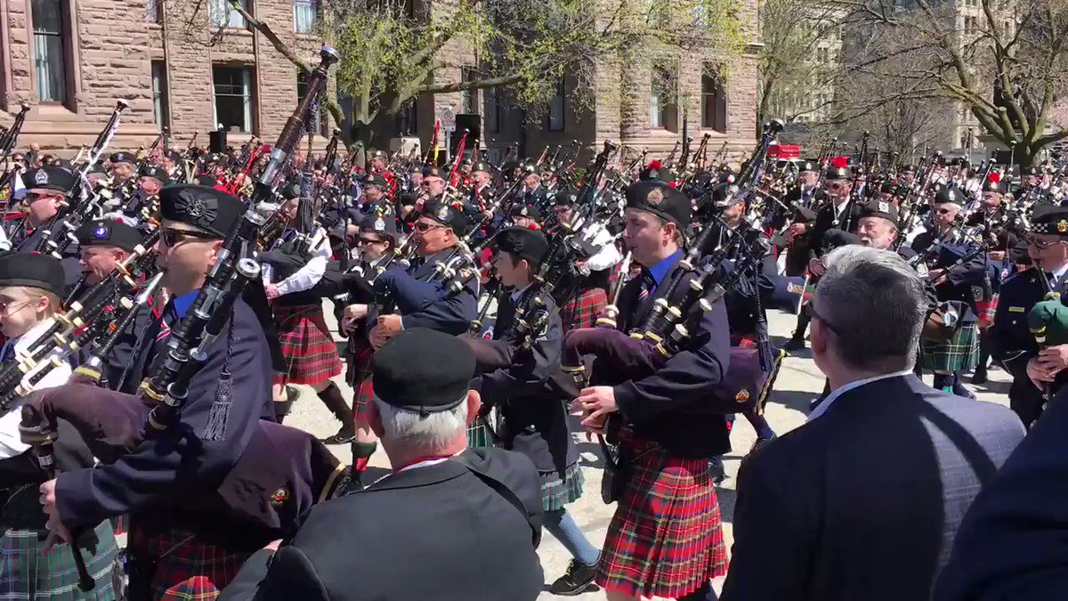 About 1,000 officers from across Ontario and New York State took part in today's 20th annual Ontario Police Memorial Foundation Ceremony of Remembrance at Queen's Park. If you missed it live, tune into @ROGERStvDurham Saturday May 11 at 12 pm. #heroesinlife @HeroesInLife