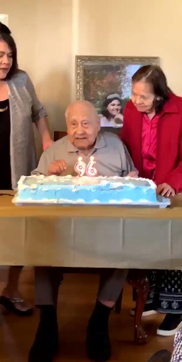 do y'all see that smile my great grandpa did once he blew his last candle out?