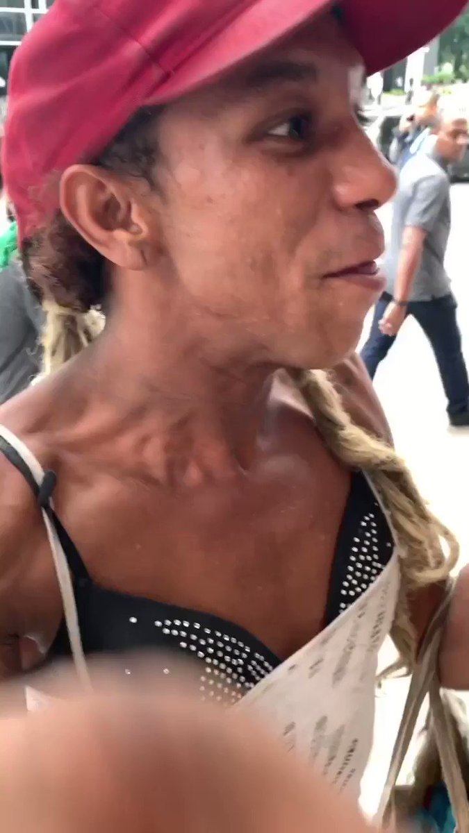 Hoje perguntei quem era ela na avenida paulista e olha a resposta  – at Avenida Paulista