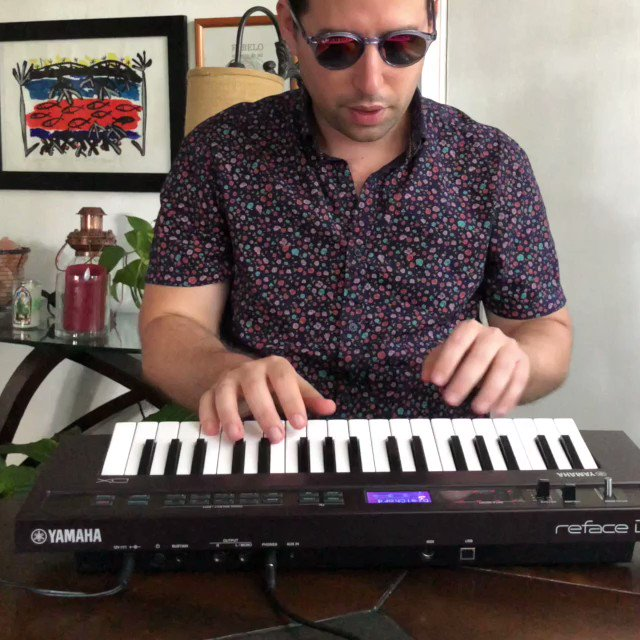 @YamahaMusicUSA @alfredomusic showing us that he can shred on any sized piano keys on his Reface DX #YamahaSynths #YamahaReface