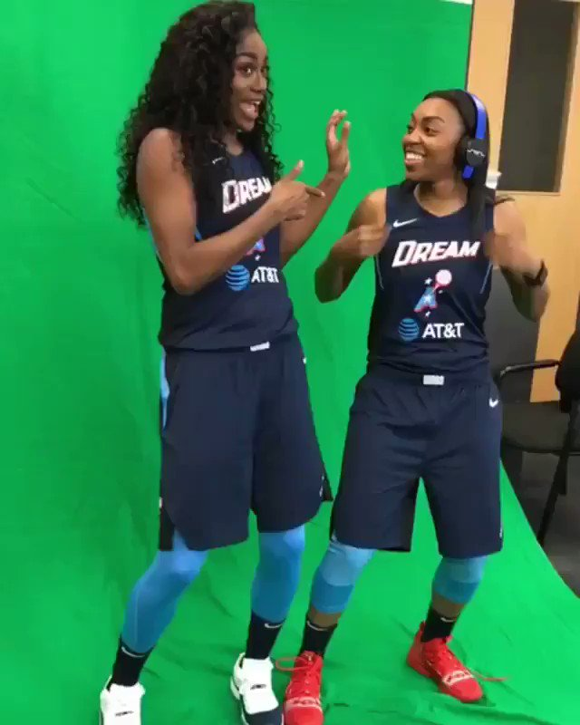 Good Luck this Season @AtlantaDream s/o @Da20one @tiphayes3 for rockin w/ us 💪🏾🏄🏾♂️🌎 @mookmanshawty @iMcFLI @Vee_FLY9 x @Only1Easton #swagsurfin 📀 #UNDEFEATED #atlantadream @WNBA
