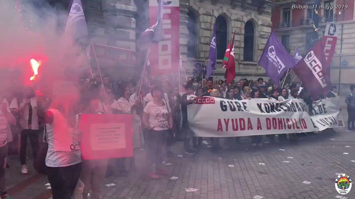"""Tras la paralización de las negociaciones del Convenio de Ayuda Domicilio #Bizkaia por el """"inmovilismo de las patronales"""" las trabajadoras del #SAD @CCOOeuskadi se movilizan en #Bilbao para defender un servicio fundamental para personas dependientes @GazteakCcoo @AlfonsoRiosV"""