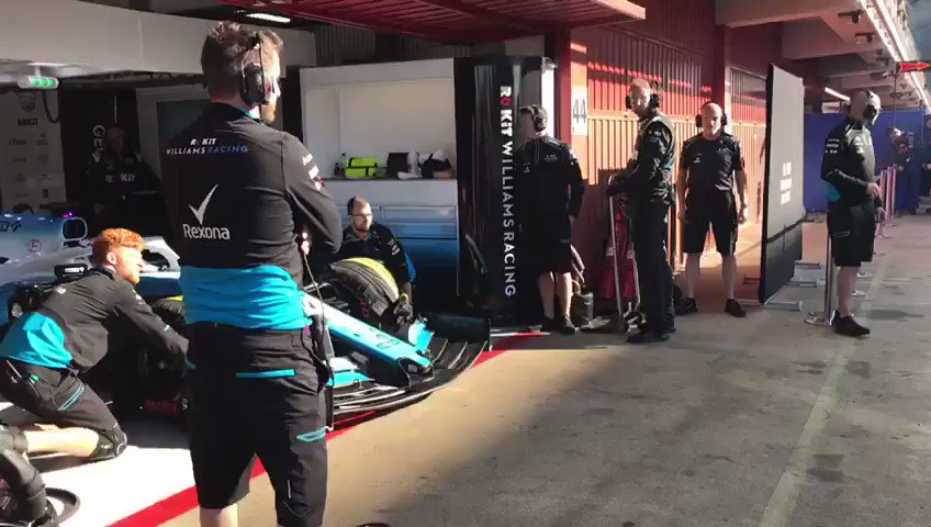 Morning @NicholasLatifi 👋   Getting straight down to work 💪  #F1Testing
