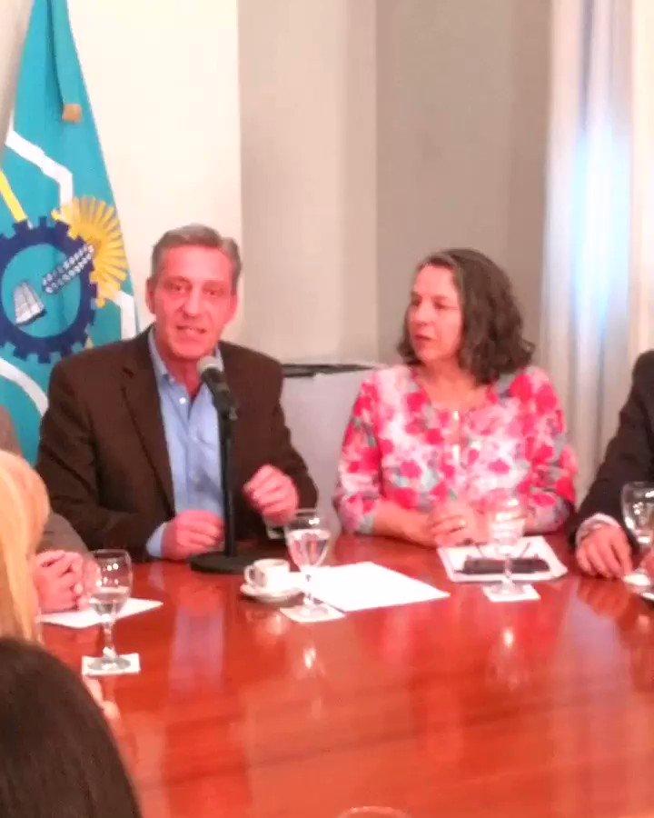 Ahora 👉 Acompañando al Gobernador @arcionimariano, en la firma del Convenio entre el Ministerio de Desarrollo Social de Nación y el Gobierno Provincial, para la implementación del Registro Único Nominal. 👥 @CHECHU0405