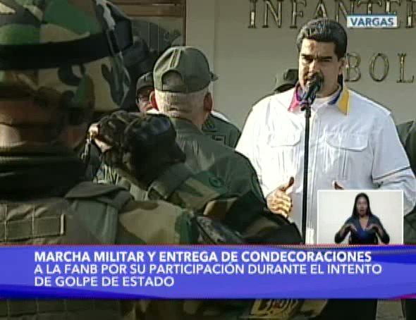 #EnDirecto 🔴   Presidente @NicolasMaduro: Esta marcha debe ser un ejercicio de cohesión y de unión máxima de las fuerzas militares de Venezuela, por la lealtad jurada a la Patria, a Bolívar, la Revolución y al legado del Comandante Chávez  #RespetoConPueblosDelMundo
