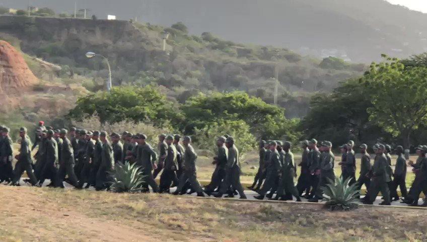 Imponente Marcha Militar de la Lealtad con los hombres y mujeres de nuestra gloriosa #FANB. Una muestra de la máxima cohesión, unión, disciplina y obediencia del Poder Militar a la Patria y a su Comandante en Jefe. ¡Nuestra Victoria Siempre Será la Paz!