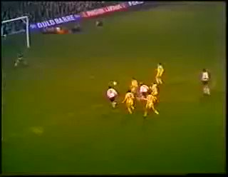 Who remembers when @dcfcofficial Francis Lee and @LUFC Norman Bite ya legs Hunter went toe to toe back in 1975? 👊 #LUFCvDCFC