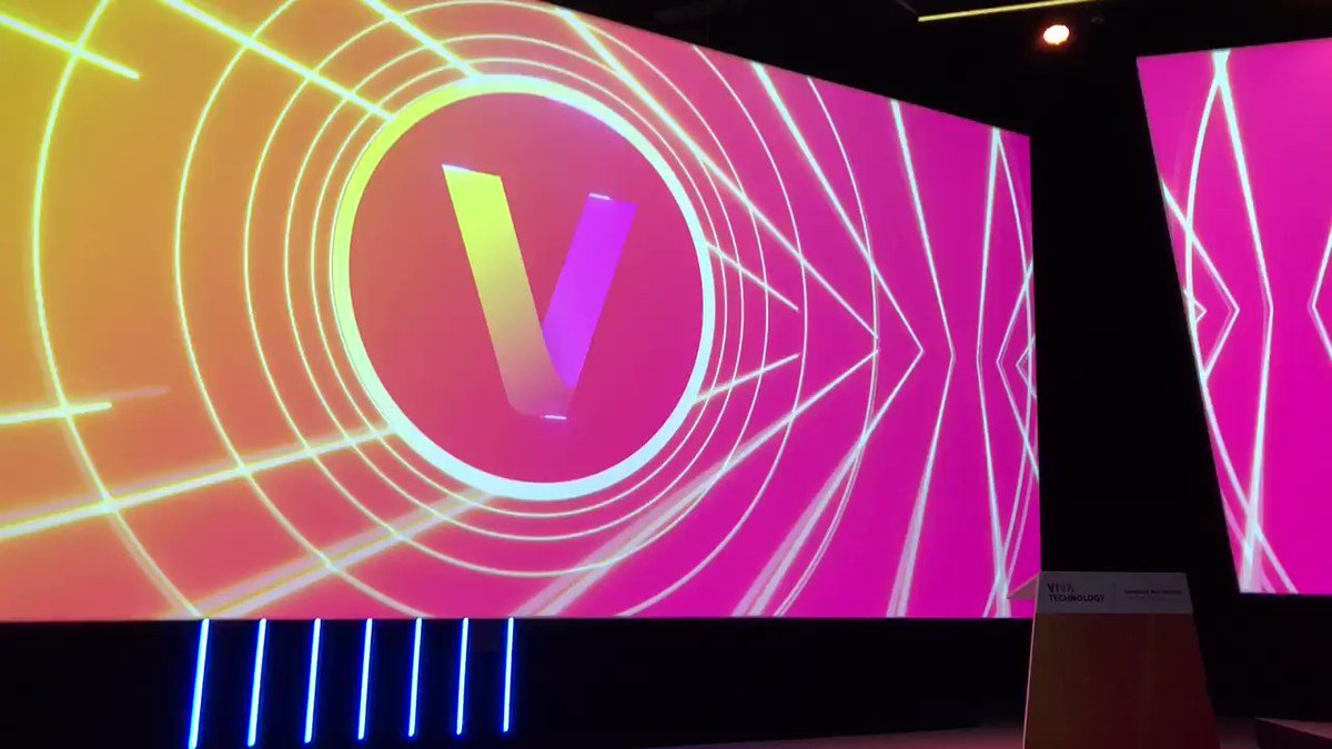 🎇Day 1 @VivaTech 2019 🎆 🙌 The #ceoforum is getting ready to rock ! 🎙the real questions 🚀 the real insights 🗣 the real MCs with @daviskris10 See you very 🔜 #VivaTech2019 #ceo #innovation #tech #startups #futureislive