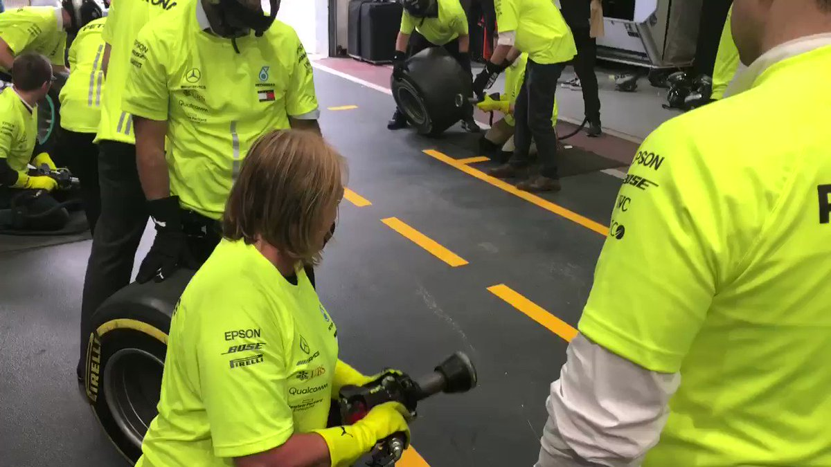 Did someone say #PitStopChallenge?   We couldn't let Karen leave without letting her have a go! 😃  Nicely done! 👏