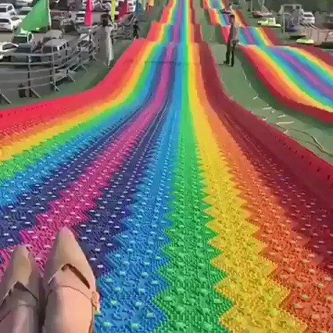 Hoje, dia 17 de Maio é comemorado o dia do combate à homofobia. Vamos colocar arco-íris em todos os lugares.