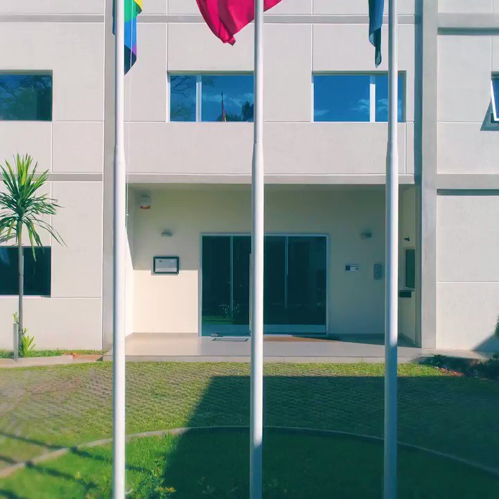 🏳️🌈Reiteramos nuestro compromiso con los derechos de las personas #LGBTI 🏳🌈 izando la bandera del orgullo desde la UE 🇪🇺 en Py 🇵🇾 y la Embajada de Francia 🇫🇷 #IDAHOT #EU4LGBTI