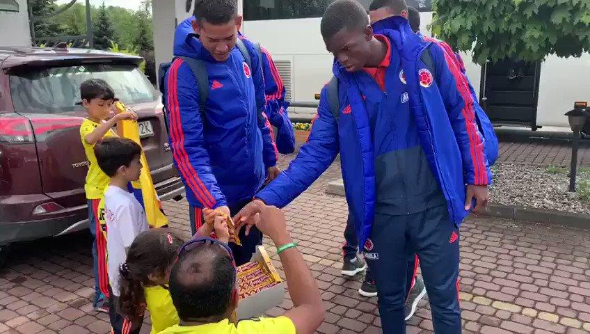 Los hinchas colombianos empiezan a llegar a Polonia para apoyar a nuestra Selección Colombia Sub-20. 👋🏼🇵🇱 #Polonia2019