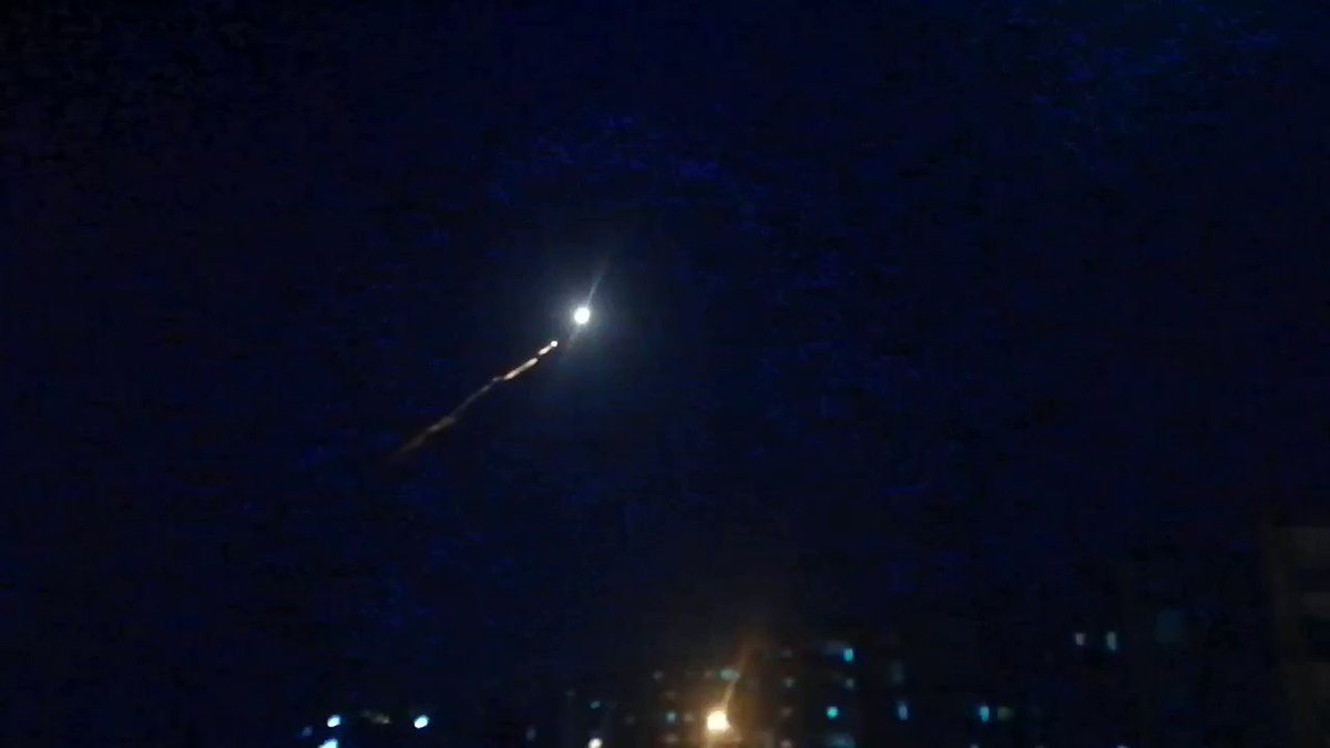 SAA air defense active tonight against possible targets near #Damascus tonight. #Syria #Israel