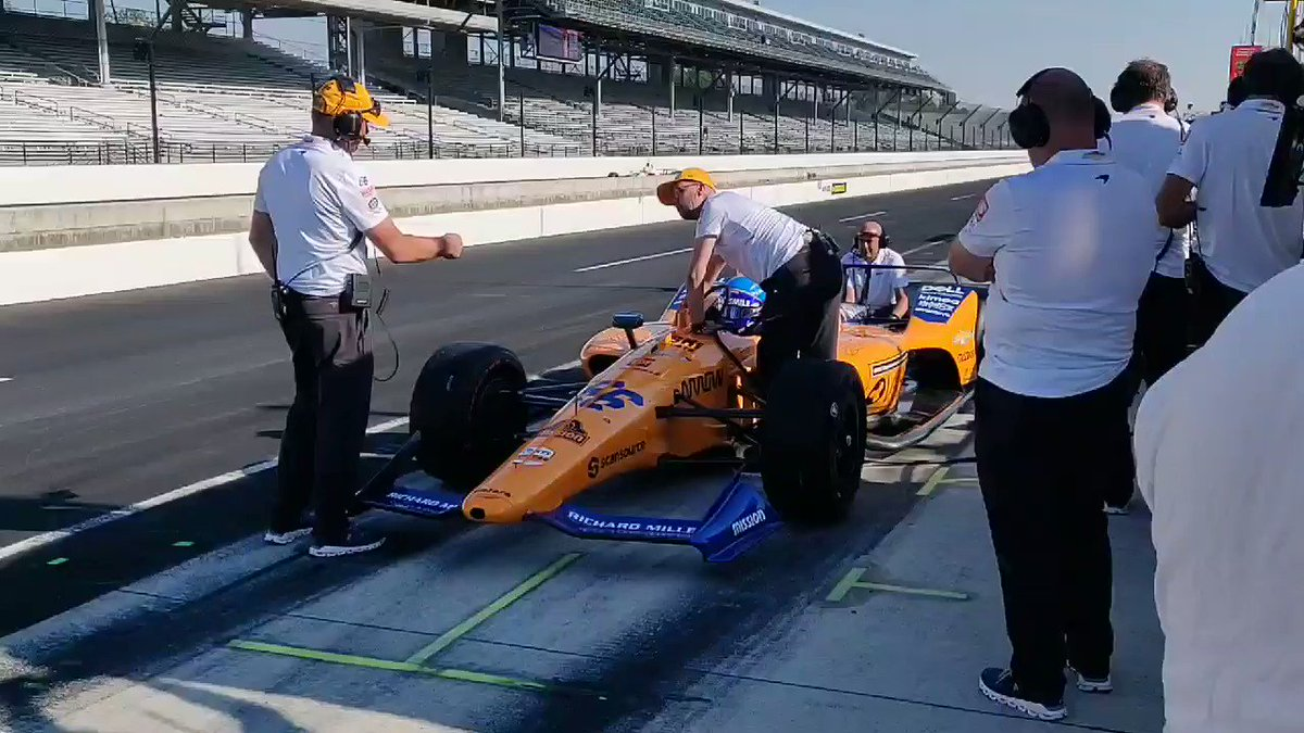 Saturday morning practice at @IMS before qualifying gets underway in a couple of hours. ⏱️  #McLaren66 #Indy500 🇺🇸