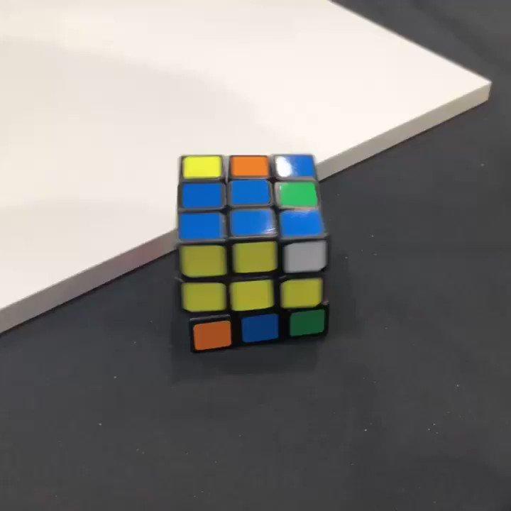 Behold this self-solving #RubixCube at @makerfaire! #mfba19