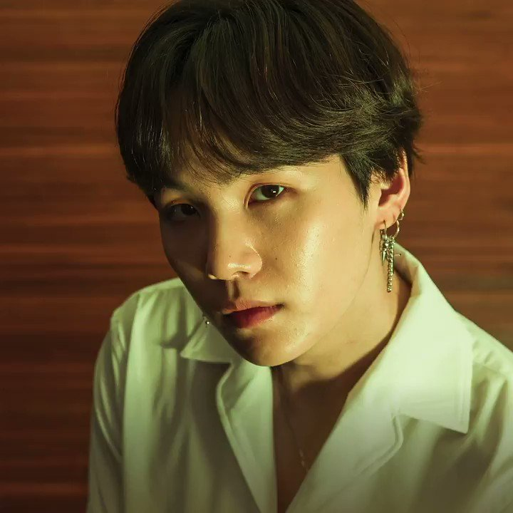 Celebrate #LOVE_YOURSELF 轉 Tear 1 year anniversary by turning on your @BTS_twt playlist now. apple.co/BTS-LoveYourse… #BTSARMY
