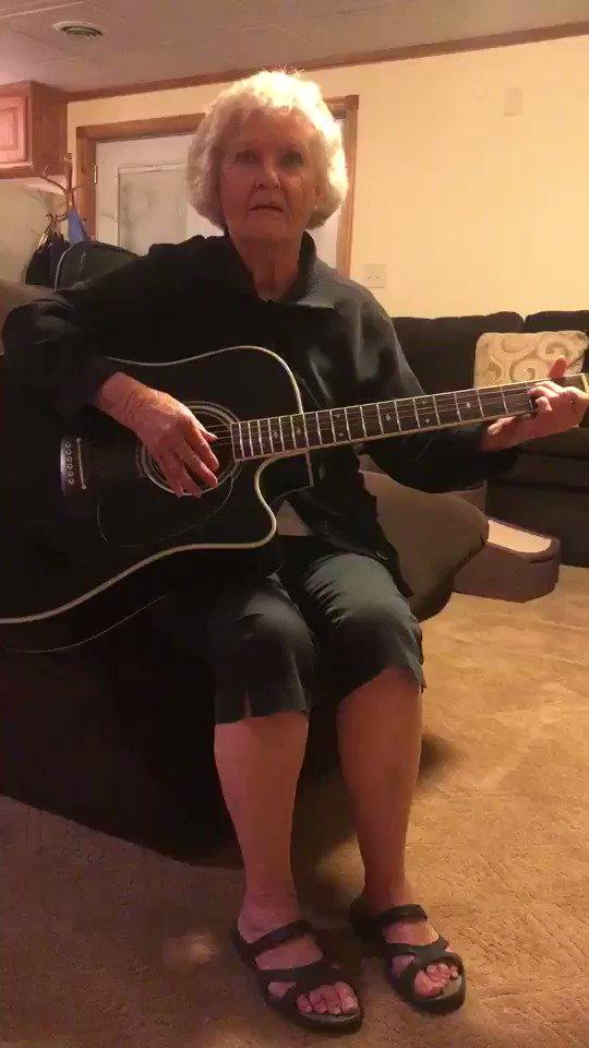 hey here's my grandma's thotiana remix
