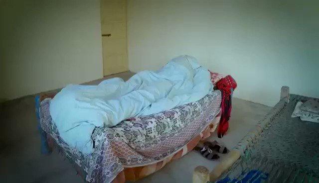 اعلان- فيديو تثقيفي باكستاني عّن شيطان الصلاة وكيف يجمل النوم في عينك عشان ماتقوم للصلاة بس عاجبني فكرة تمثيل الشيطان  ولو انها باقل التكاليف