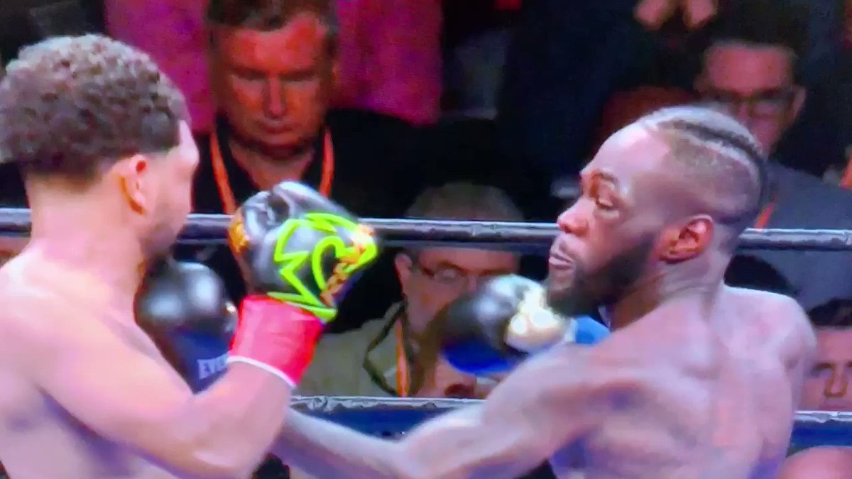 Guy wearing red tie becomes a meme after witnessing a brutal knockout punch - Culture - Mashable ME
