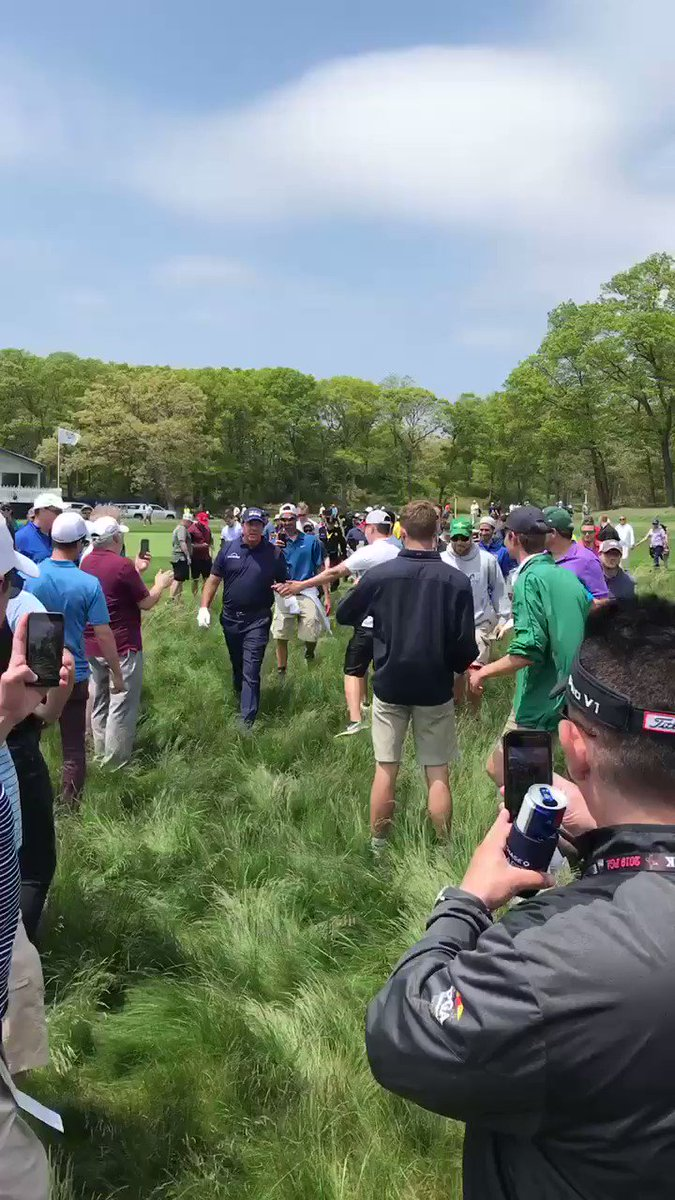 PGA Championship 2019: Phil Mickelson inexplicably hits 3-wood from impossible lie, proves he knows what he's doing