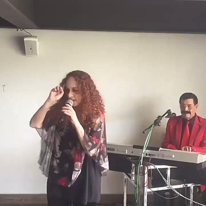 Les comparto soundcheck del evento de hoy acompañada por @Nessio57 recuerden hoy 11 pm estaremos en #pianodecola con @daniherrera1962 por #teleformula buenas noches!
