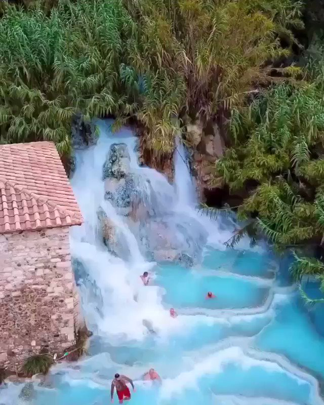 Who'd like to go here? 🙋🏽‍♂️ Natural Hot-springs in Tuscany, Italy 🇮🇹 #travel #nature #adventure